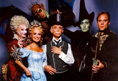 Broadway-musical-wicked-cast