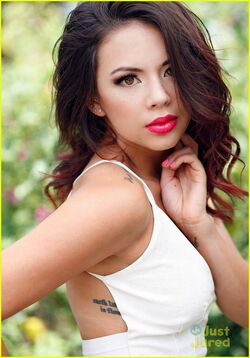 Janel-parrish-afterglow-mag-04