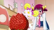 S1E2 06 Giant strawberry