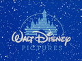 Walt Disney Pictures A Very Merry Pooh Year