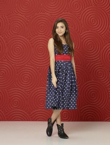 File:Riley Matthews - Season 2 Promotional Photo.jpg