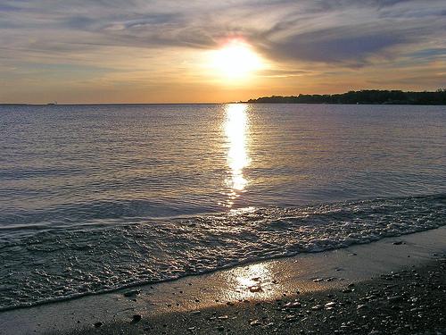 File:Lake erie shore.97185214.jpg