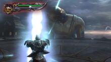 Kratos nel momento in cui gli vengono assorbiti i poteri per prendere la Spada dell'Olimpo
