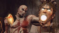 Kratos con Cabeza de Helios