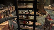 Kratos subiendo una escalera en los Anillos de Pandora