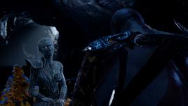 Atenea en la barca ante Kratos