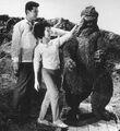 KKVG - Touching Godzilla