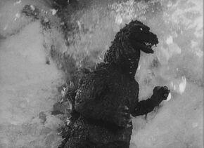 Godzilla en Godzilla Raids again