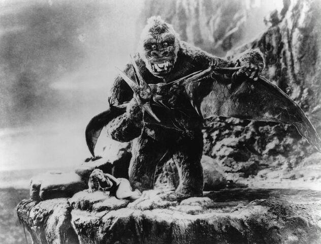 File:King Kong 1933 Kong vs. Pterodactyls Production Pic.jpg