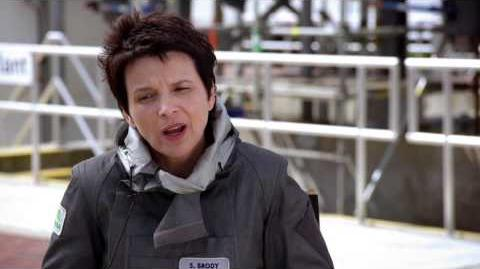 "Godzilla 2014 Juliette Binoche ""Sandra Brody"" On Set Movie Interview"