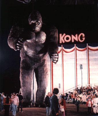 File:Kong 1976 Behind the Scenes.jpg