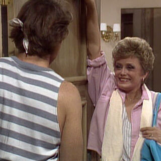 Blanche tries to be sexy.