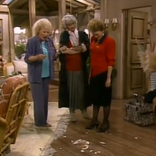 Blanche breaking her plate to represent the new her.