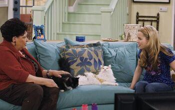 Ryan Newman dating Bradley Steven Perry råd for dating skilt mann