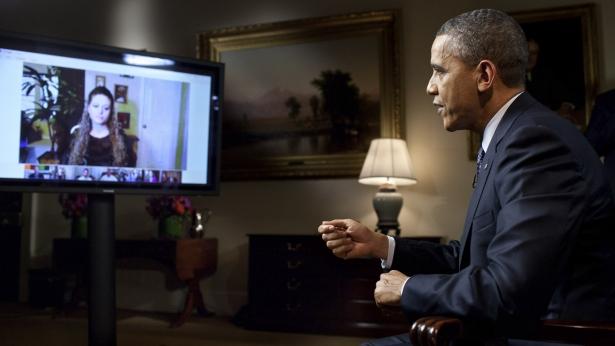 Arquivo:Barack Obama hangout.jpg
