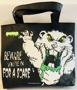 Cuddles Vinyl B&W Pyramid tote bag