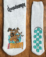 Mummy skateboarding 90s slipper socks f+b