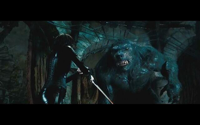File:Selene-vs-giant-werewolf-underworld-29780750-1440-900.jpg