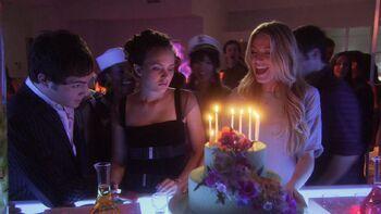 Seventeen Candles Gossip Girl Wiki FANDOM powered by Wikia