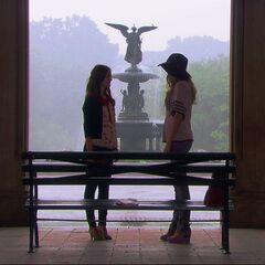Blair and Serena reconciling