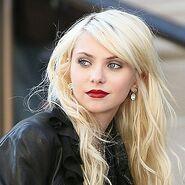 http://uk.gossipgirl.wikia