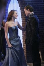 2-12-stills-blair-and-chuck-2827287-966-1450