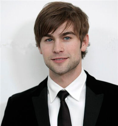 Chace-crawford-suit-tie-stubble-cute-eyes-hair-sideburn-smile-white-teeth-gossip-girl-star-celeb-photo