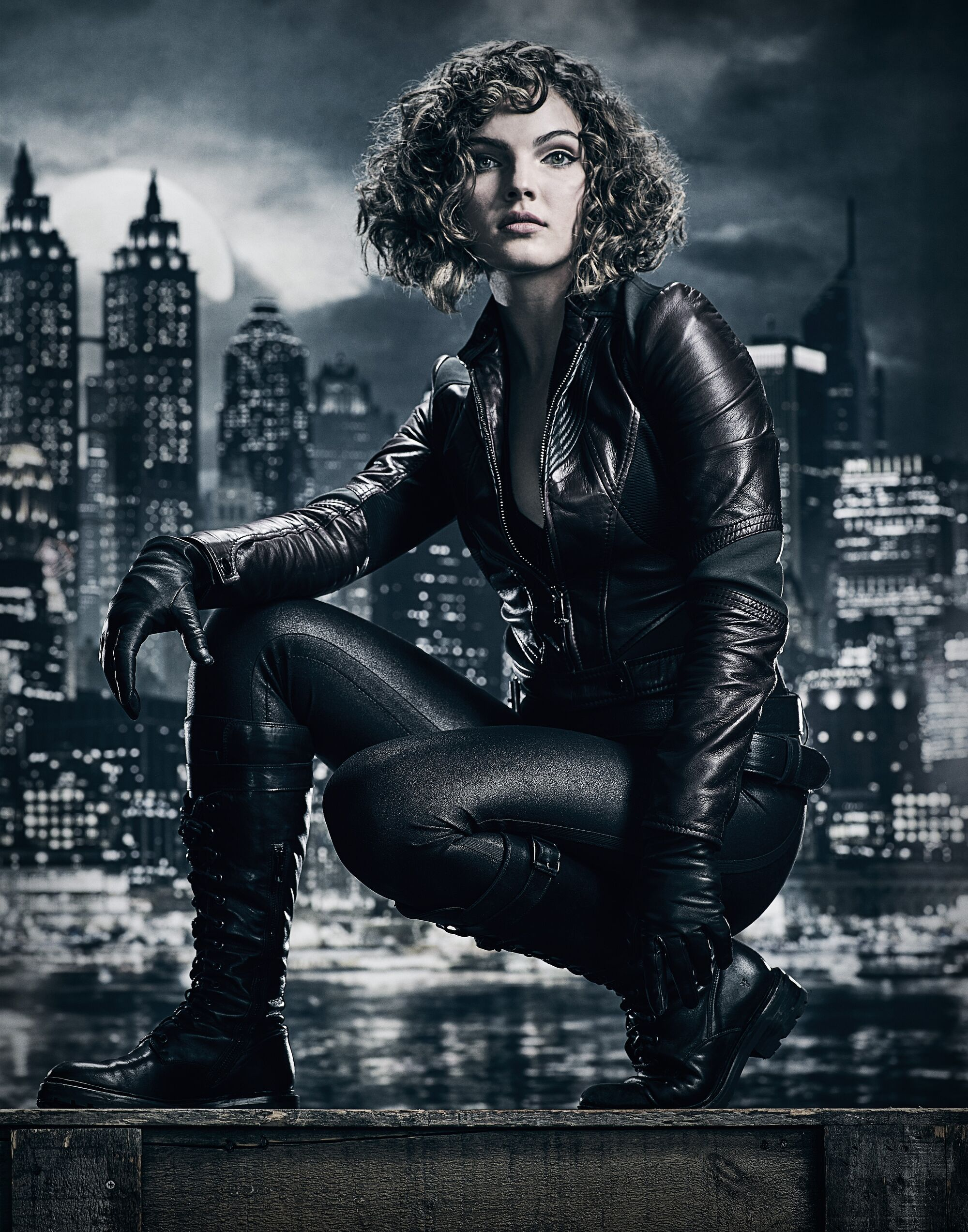 Image - Selina Kyle season 4 promotional.jpg   Gotham Wiki ...