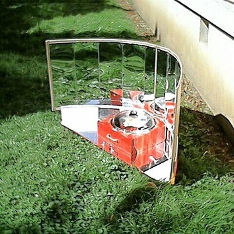 Reflektor pionowy rozłożony, naczynie BasketPot zainstalowane