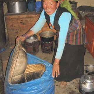 Prosty dogotowacz izotermiczny wykonany samodzielnie i używany w Nepalu