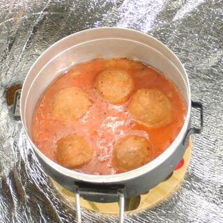 Rys. 6. Klopsiki w sosie pomidorowym