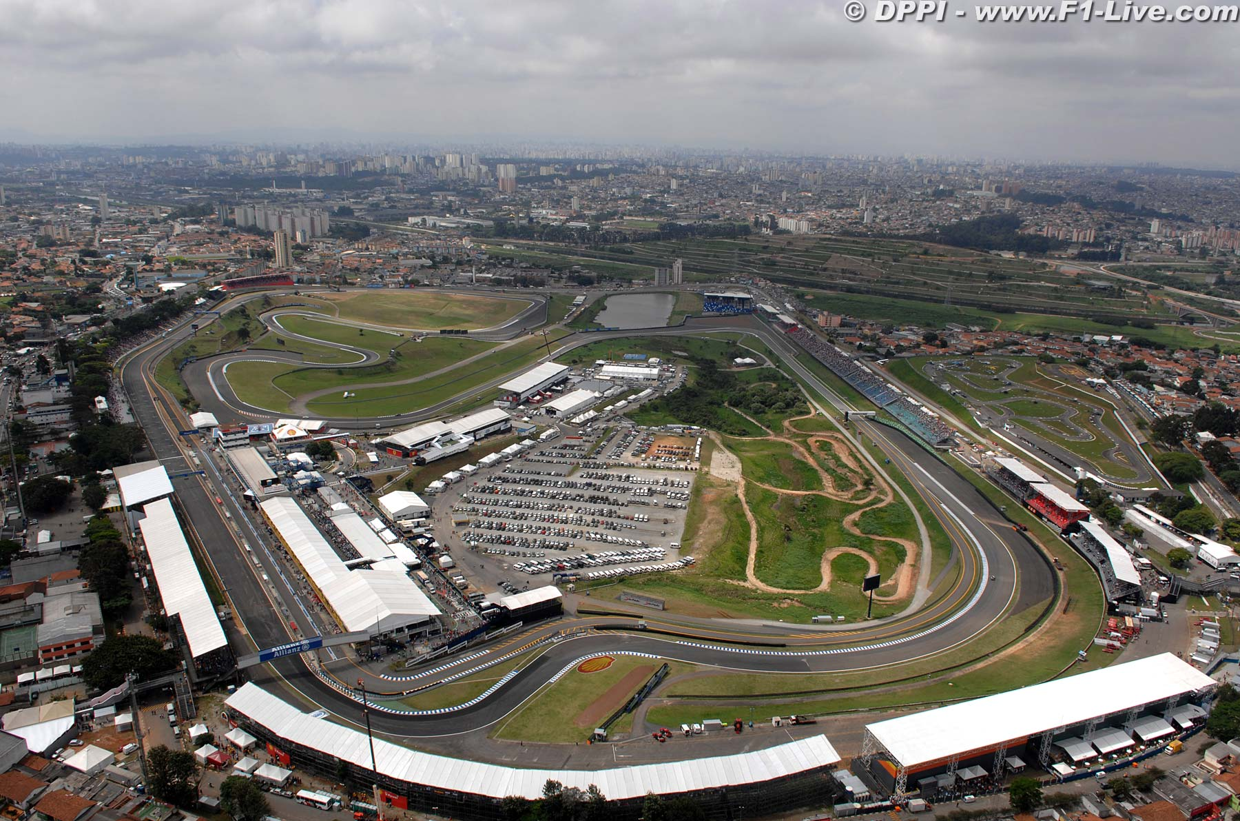 Circuit Interlagos : Interlagos racing circuit i took this photo in a summer day a few