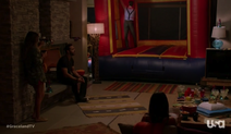 1x10-KingsCastle