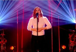Katy b crying for no reason graham norton show january 2014