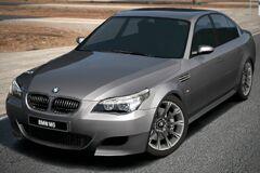 BMW M5 '05 (GT6)