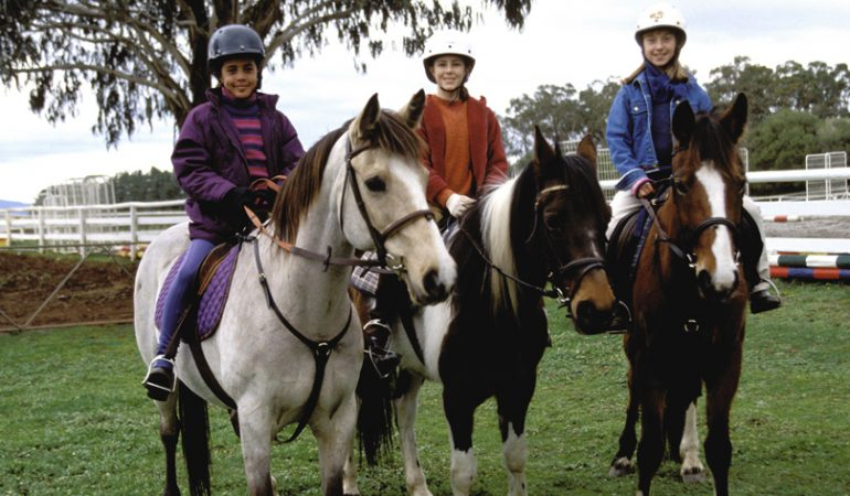 Le club du grand galop wiki grandgalop fandom powered - Coloriage chevaux grand galop ...