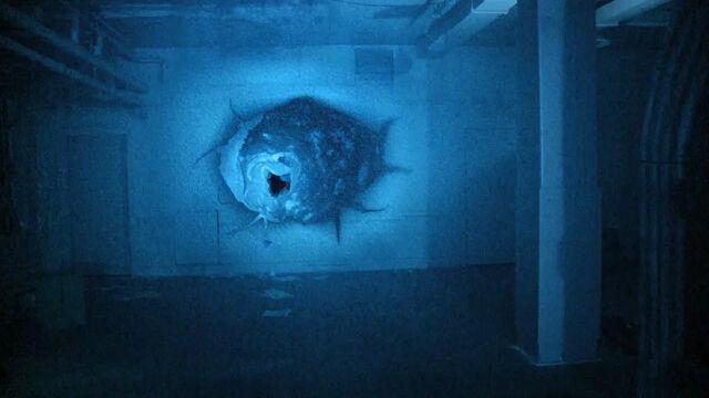 File:Grave Encounters 2 (2012) Tunnel.jpg