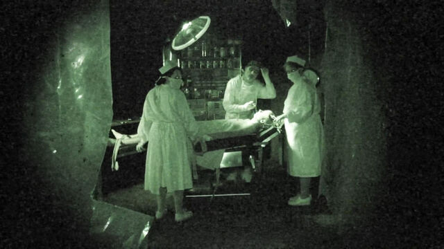 File:Grave Encounters (2011) Friedkin's operating room.jpg