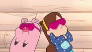 S1e18 Mabel and Waddles acting cool