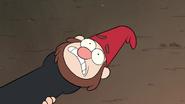 S1e1 gnome jeff in leaf blower