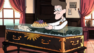 S2e9 coffin table