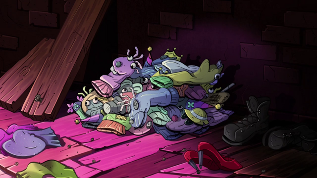 File:S2e4 puppet pile.png