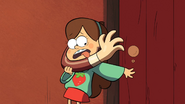 S1e3 mabel choked by wax arm