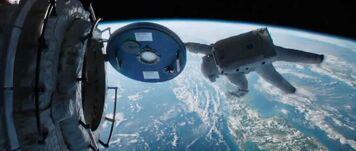 Gravity-Sandra-Bullock-airlock
