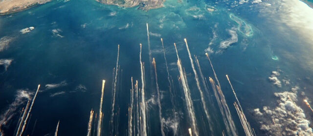 File:Gravity-movie-2013-trailer-screenshot-debris.jpg