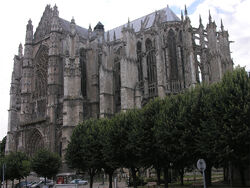 Beauvais Cathedral SE exterior