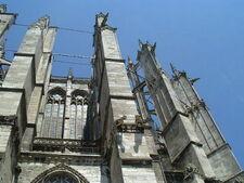 Beauvais external supports