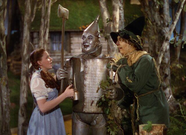 File:Dorothy Oils the Tin Man.jpg