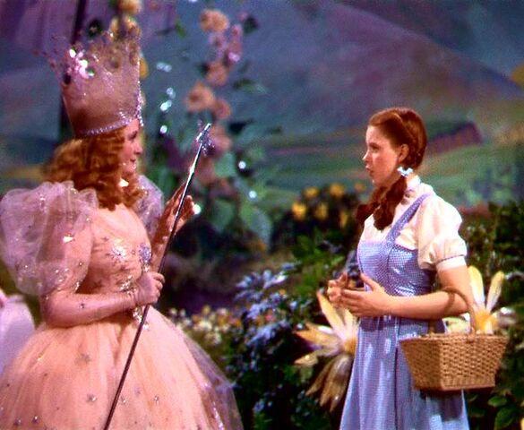 File:Dorothy and Glinda.jpg