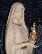 Hestia statue 2